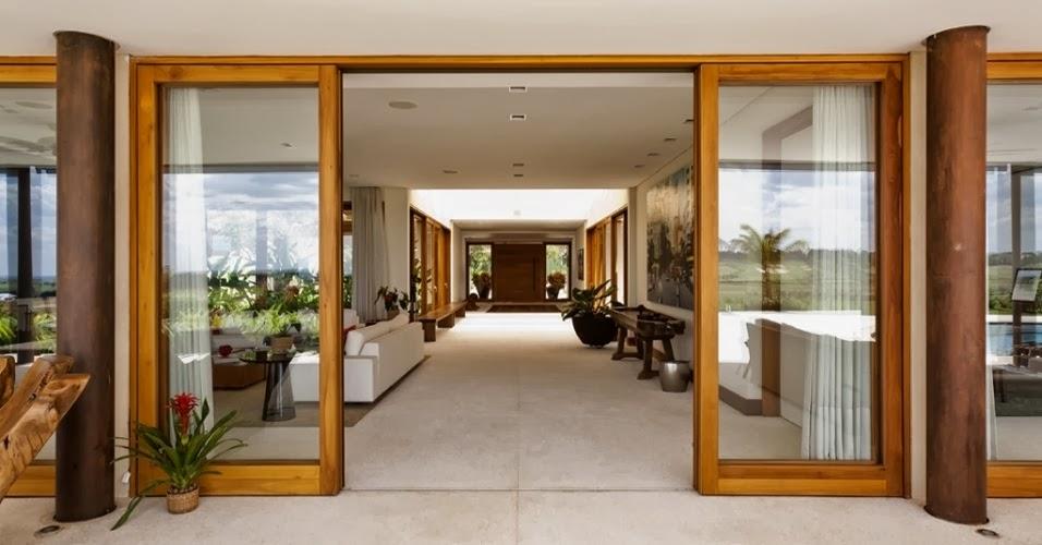 porta-em-madeira-e-vidro
